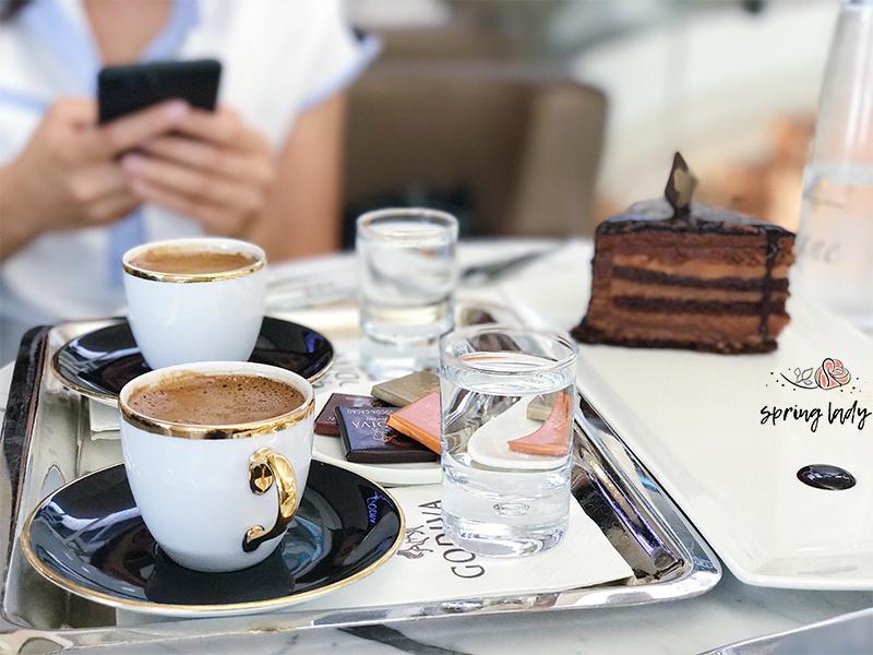 browni-chocolate-on-desk-springlady.ir